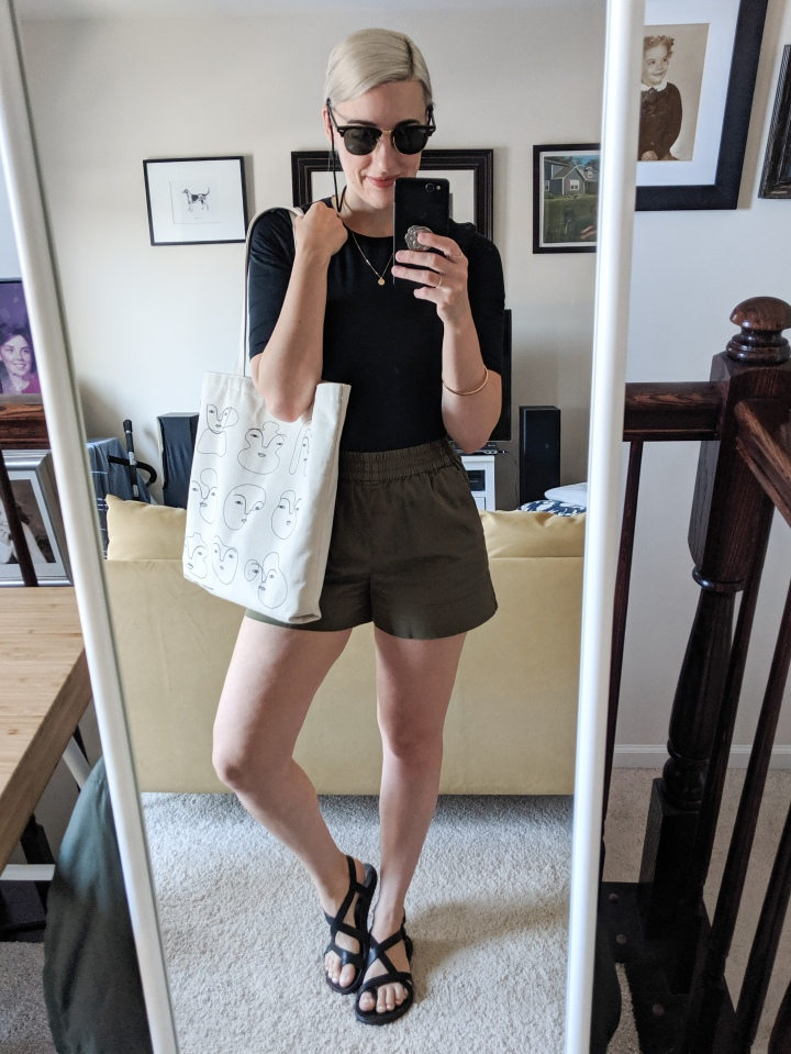 everlane short sleeve body suit review