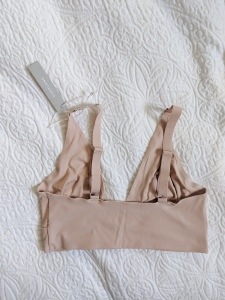 everlane renew bra back